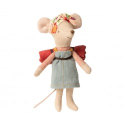 Hiking mouse, Big sister...
