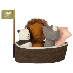 Noah's Ark with 4 Rattles...