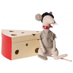 Rat in cheese box - Light...