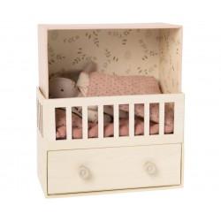 Baby room w. Micro bunny...