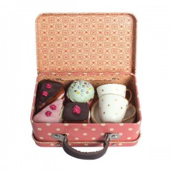 Suitcase w 4 cup-cakes and...