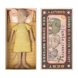 Medium mouse in box Girl...