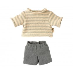 Blouse and shorts for Teddy...