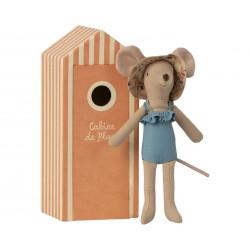 Beach Mice Mum in Cabin de...