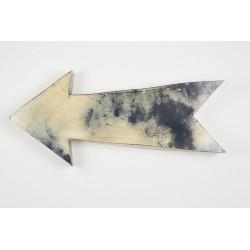 Large tin arrow
